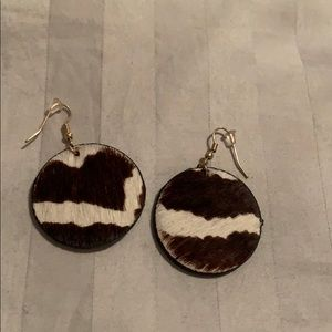 Precious animal print earrings